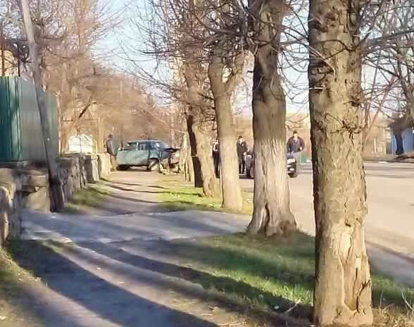 В Кировограде «ВАЗ» задним ходом протаранил «Lanos», фото-1
