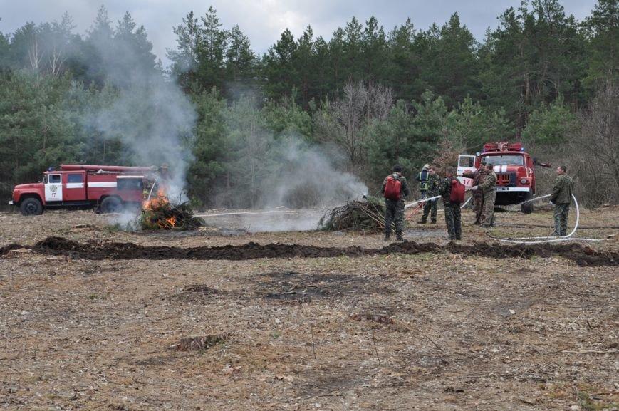 Працівники Служби порятунку та лісгоспу відпрацювали взаємодію щодо гасіння пожеж у лісах.ФОТО, фото-3