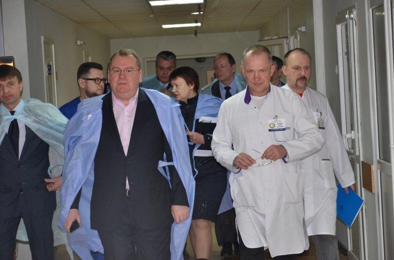 Новый губернатор области посетил раненых бойцов (фото) - фото 2