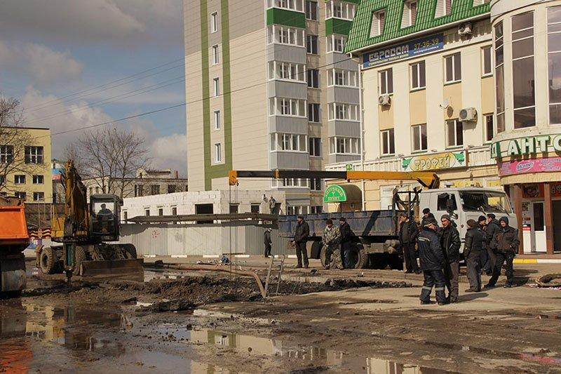 В Белгороде на Михайловском шоссе ликвидируются последствия обвала грунта (фото) - фото 2
