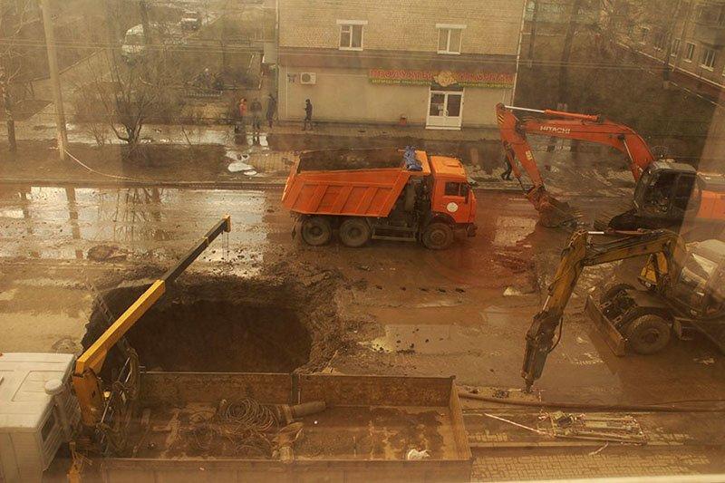 В Белгороде на Михайловском шоссе ликвидируются последствия обвала грунта (фото) - фото 1
