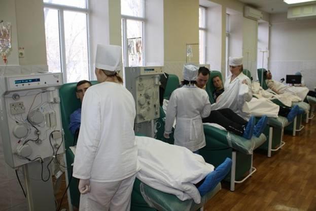 Запорожские милиционеры сдали кровь для больных детей (ФОТО) (фото) - фото 1