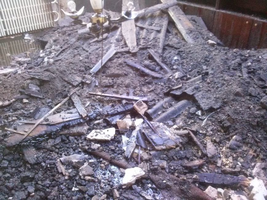 В Днепродзержинске из-за пожара эвакуировали жильцов дома (фото) - фото 4