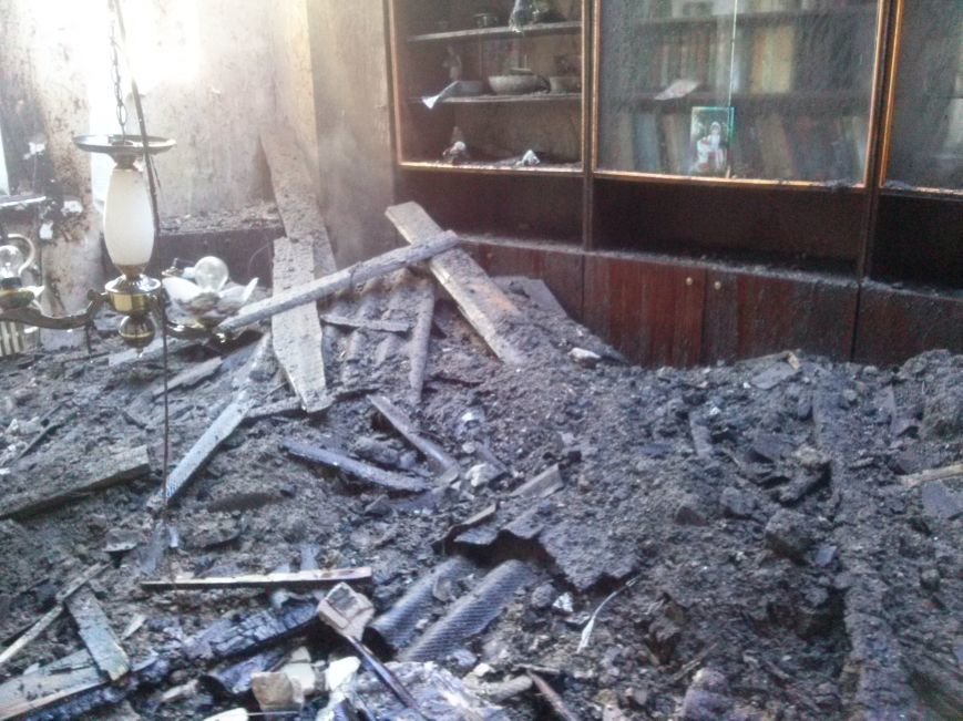 В Днепродзержинске из-за пожара эвакуировали жильцов дома (фото) - фото 6