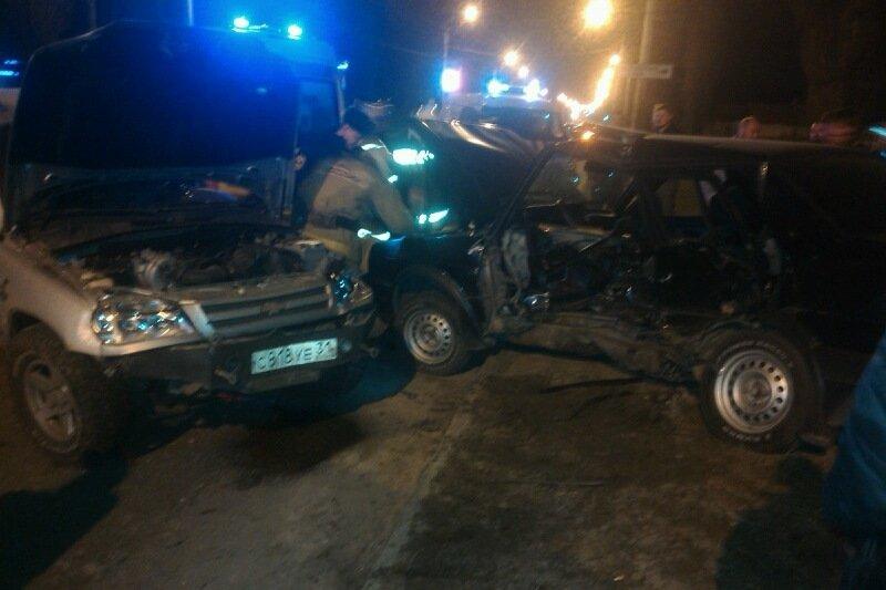 В Белгороде за прошедшие сутки произошло два крупных ДТП: один человек погиб, ещё четверо пострадали (фото) - фото 1