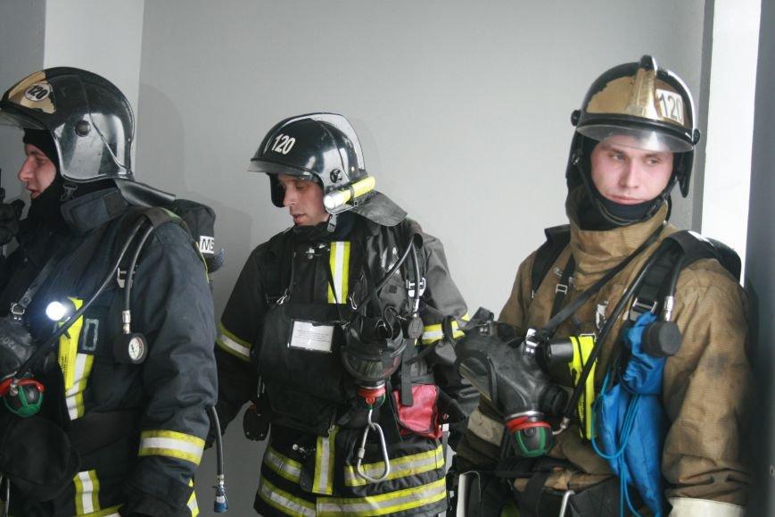 В Коммунарке прошли пожарно- тактические учения МЧС ТиНАО по спасению людей при пожаре в высотных жилых домах (ФОТО), фото-4