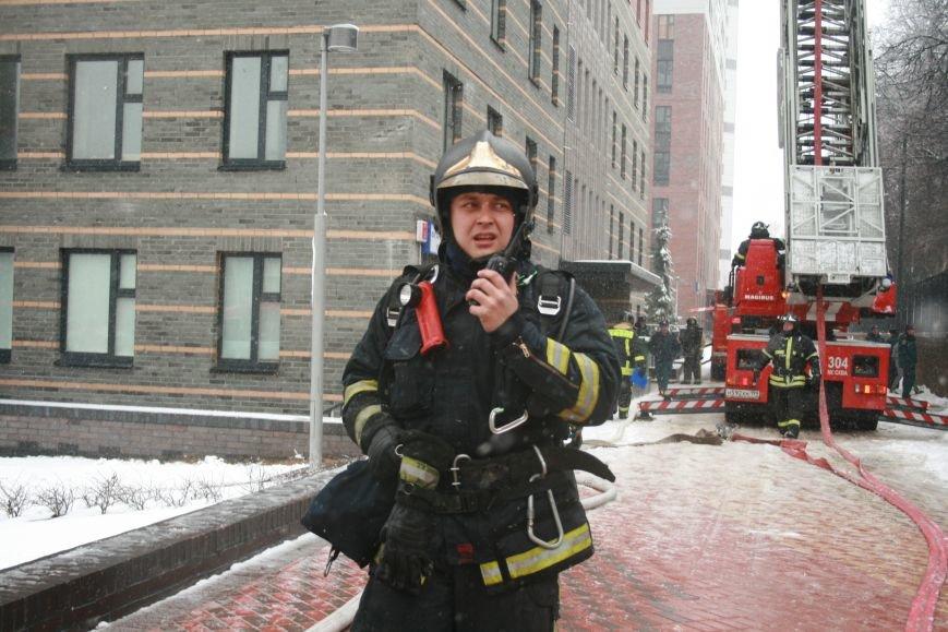 В Коммунарке прошли пожарно- тактические учения МЧС ТиНАО по спасению людей при пожаре в высотных жилых домах (ФОТО), фото-2