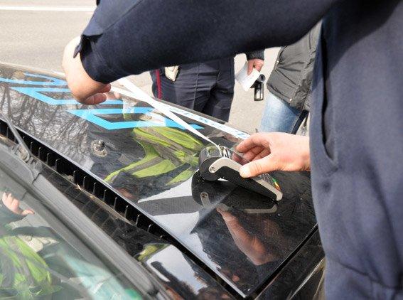 Сотрудники ГАИ Полтавщины получили терминалы для мгновенной оплаты штрафов (ФОТО, ВИДЕО) (фото) - фото 1