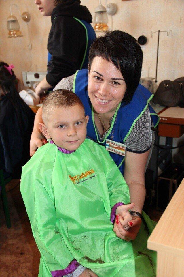 Запорожские волонтеры организовали для детей из интернатов день красоты (ФОТО), фото-2