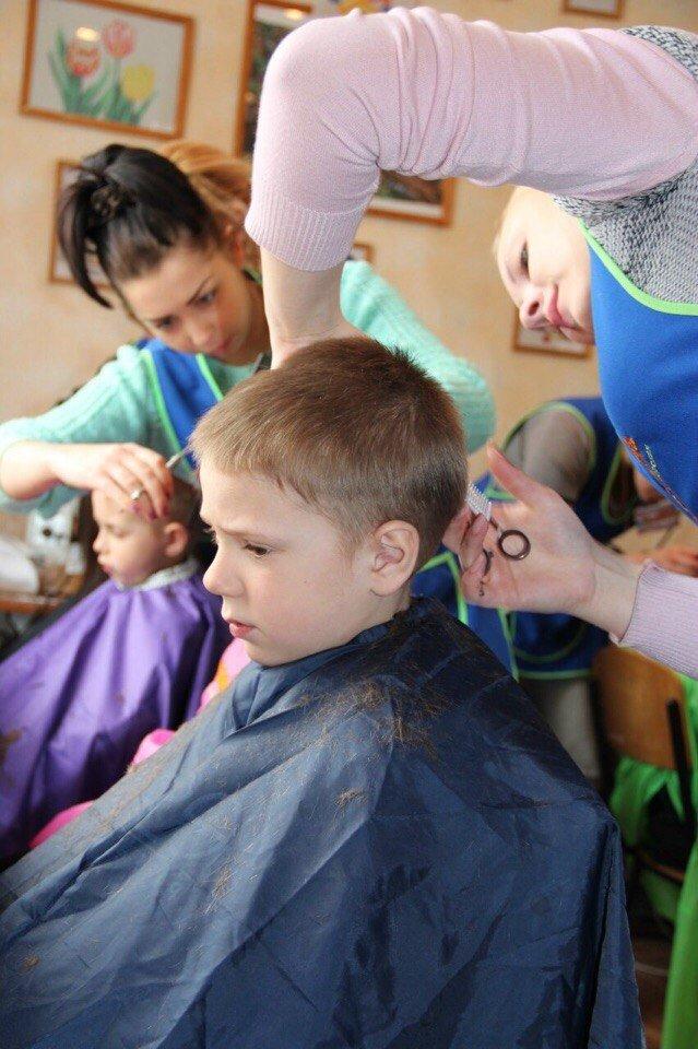 Запорожские волонтеры орагнизовали для деток-интернатовцев день красоты (ФОТО) (фото) - фото 4