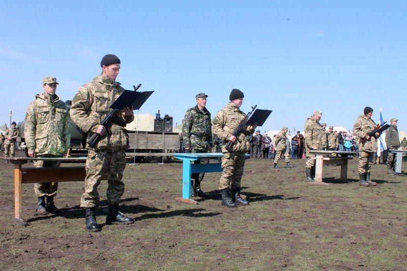 Более 200 новобранцев приняли присягу на полигоне в Николаеве (ФОТО) (фото) - фото 2