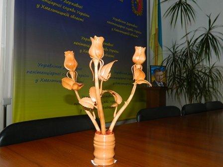 Засуджені Хмельниччини провели виставку з хенд-мейту (фото) - фото 1