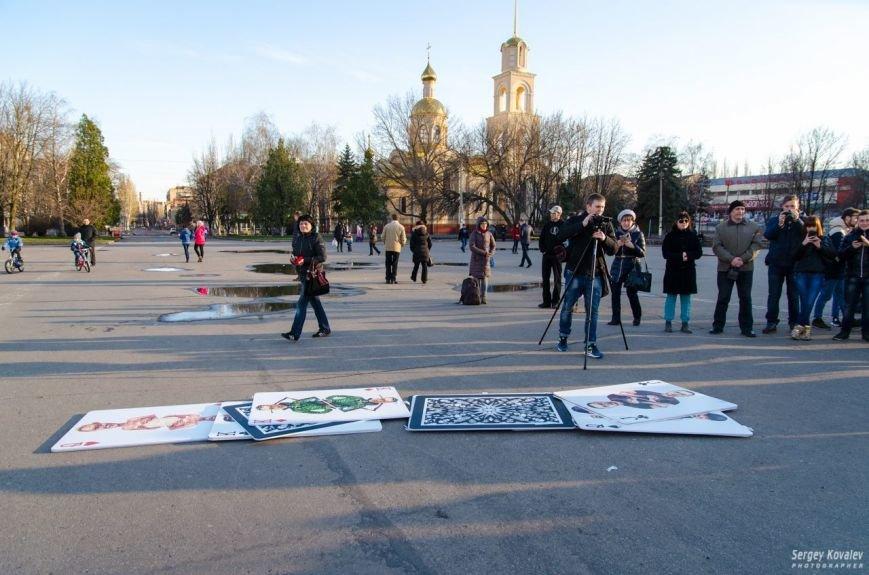 В Славянске разрушали карточный дом с изображениями главных сепаратистов (фотофакт), фото-11