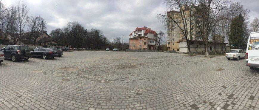 Франківські водії паркуються на тротуарах, щоб не платити 2 грн за стоянку - Тарас Кобець (ФОТОФАКТ), фото-1