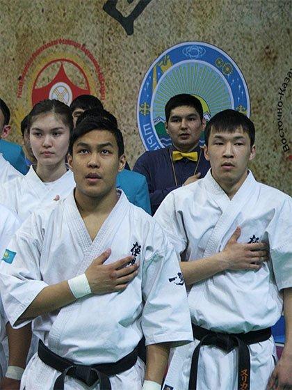 Исполнение гимна Республики Казахстан