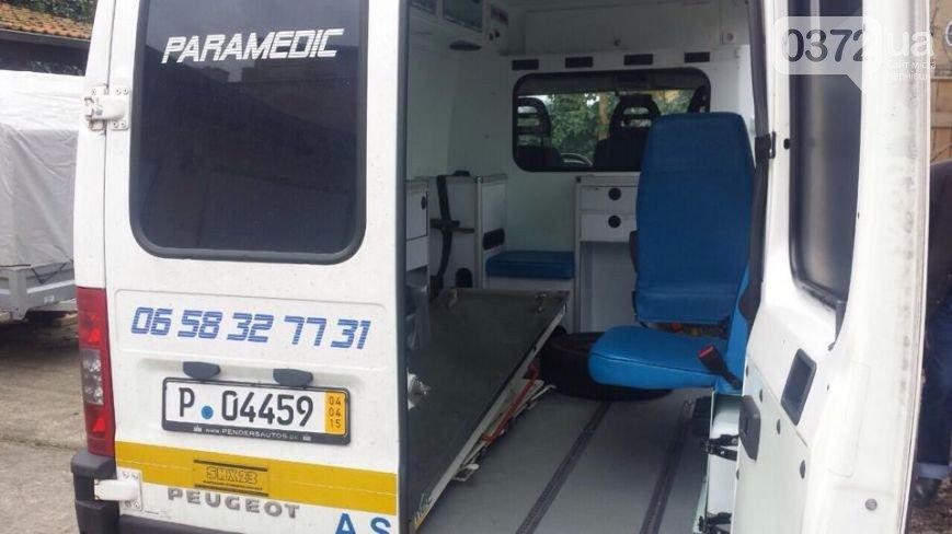 Львівські митники не пропускають волонтерів з реанімобілями для АТО (ФОТО) (фото) - фото 2