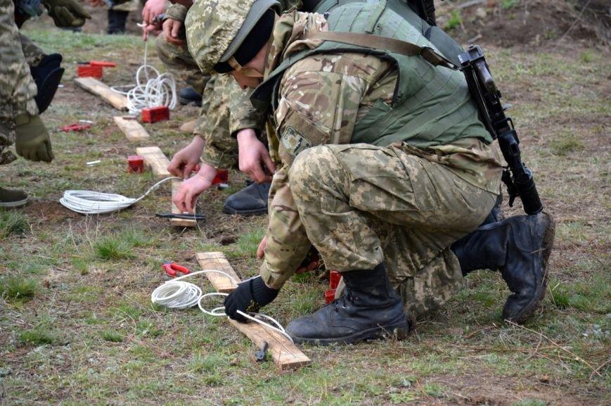 Новоиспеченные бойцы проходят боевое слаживание под руководством николаевских десантников (ФОТО) (фото) - фото 7