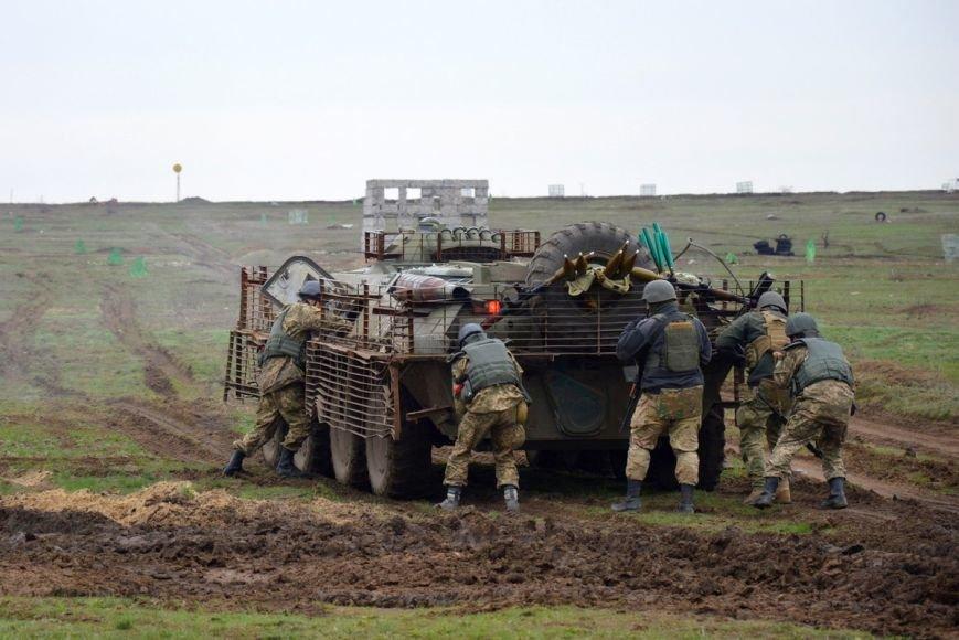 Новоиспеченные бойцы проходят боевое слаживание под руководством николаевских десантников (ФОТО) (фото) - фото 9