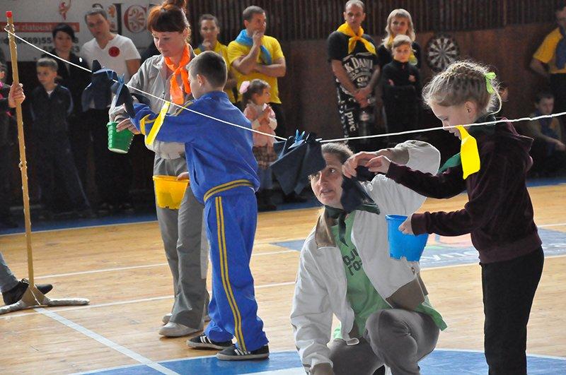 В Днепродзержинске завершились соревнования «Мама, папа, я – спортивная семья», фото-1