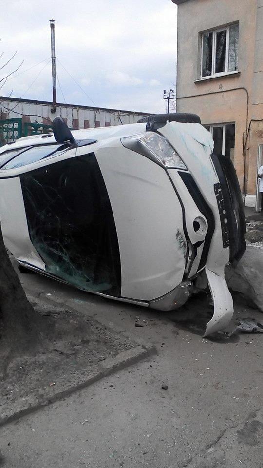Нові подробиці ДТП на Личаківській:різкий маневр жінки-водія перевернув автомобіль  (ФОТО) (фото) - фото 1