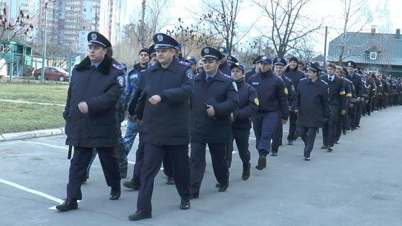 Улицы Сум будут патрулировать 240 милиционеров и 80 добровольцев (ФОТО) (фото) - фото 1