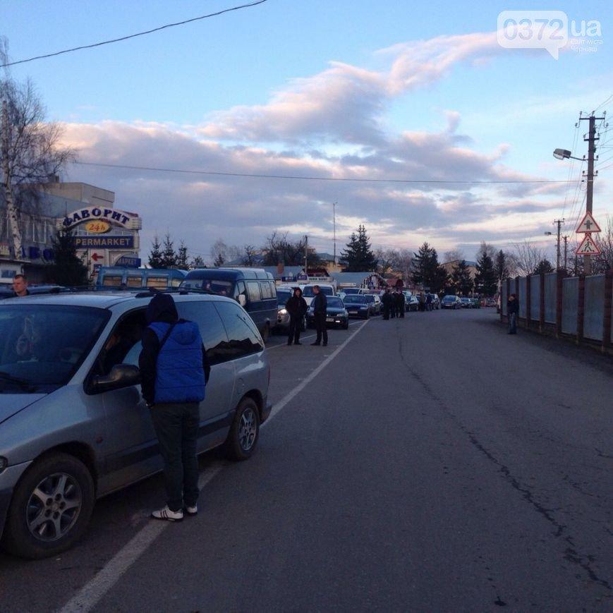 На Львівщині волонтери заблокували пункт пропуску «Шегині-Медика» (ФОТО) (фото) - фото 4