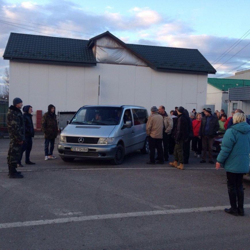 Конфлікт вичерпано: волонтери на реанімобілях їдуть додому (ФОТОРЕПОРТАЖ) (фото) - фото 2