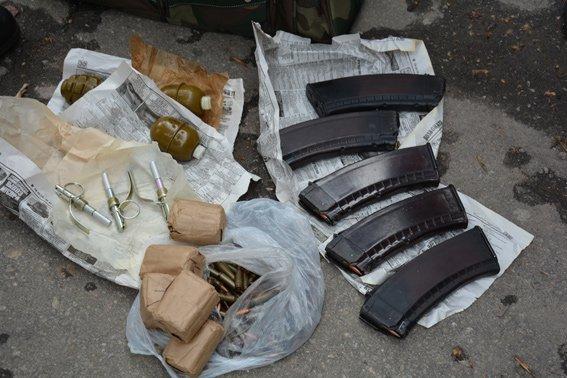 В Николаеве задержали мужчину со смертельным арсеналом в сумке (ФОТО) (фото) - фото 4