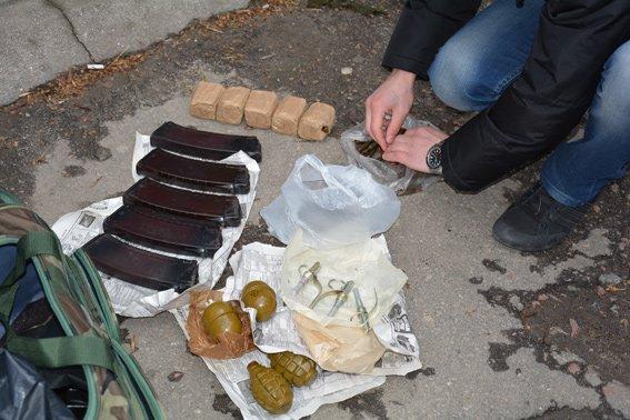 В Николаеве задержали мужчину со смертельным арсеналом в сумке (ФОТО) (фото) - фото 5