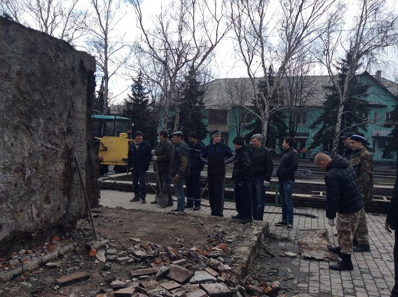 Постамент снесен: площадь г. Доброполья ожидает реализации нового архитектурного проекта (+ ВИДЕО), фото-10
