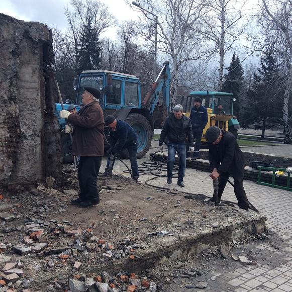 Постамент снесен: площадь г. Доброполья ожидает реализации нового архитектурного проекта (+ ВИДЕО), фото-12