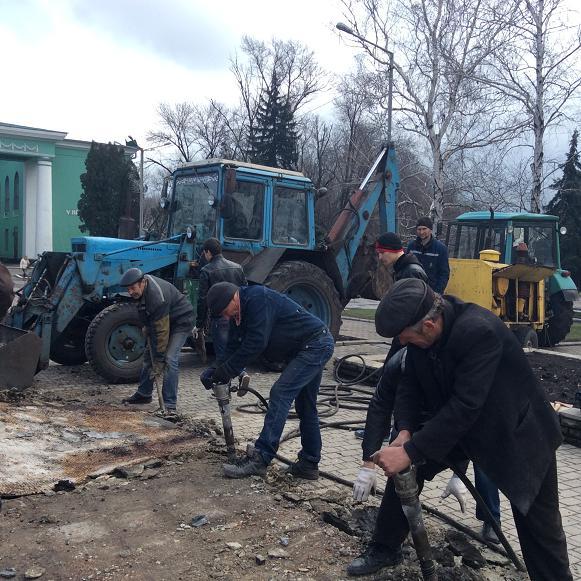 Постамент снесен: площадь г. Доброполья ожидает реализации нового архитектурного проекта (+ ВИДЕО), фото-13