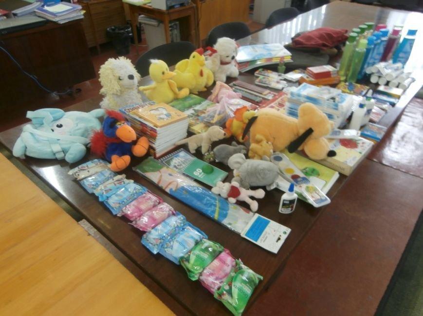 Дети Херсонщины собрали помощь детям из зоны АТО (фото) - фото 1