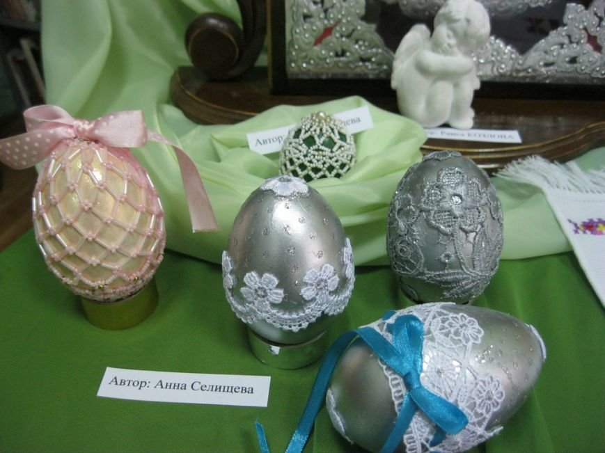 К Пасхальным праздникам в Макеевке открылась выставка-вернисаж (фото) - фото 3