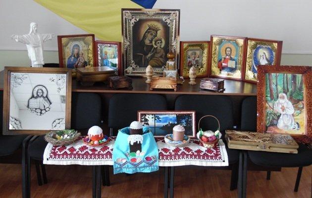 Творчество мариупольских заключенных оценили в Киево-Печерской Лавре (ФОТО) (фото) - фото 1