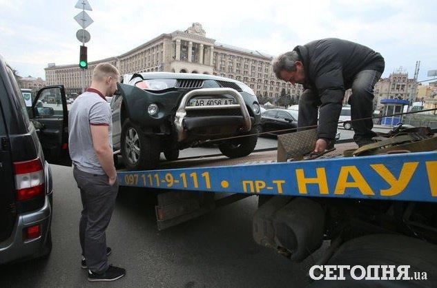 В Киеве на Майдане Независимости сын Порошенко попал в ДТП, - СМИ (ФОТО) (фото) - фото 1