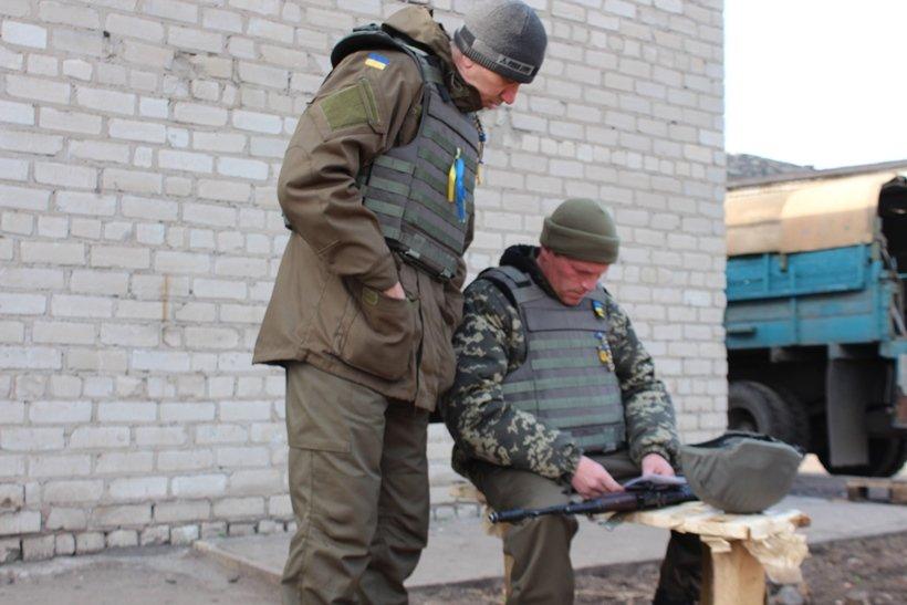 Нацгвардейцы опробывали полевой автоклуб в действии на одном из блок-постов возле Славянска. ФОТО (фото) - фото 3