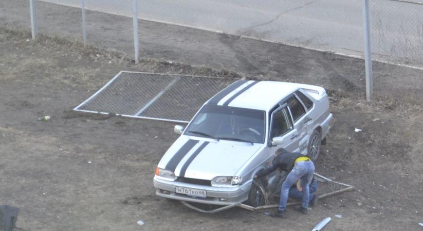 Ограждение чудом спасло жизни детей на месте ДТП в Домодедово (фото) - фото 1