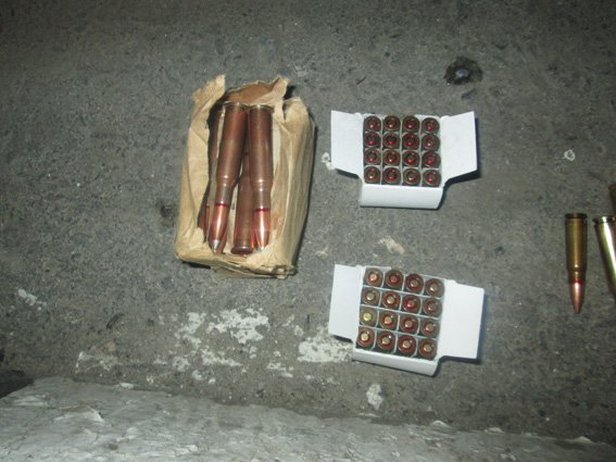 Харьковчане начали сдавать в милицию пистолеты, ружья и гранаты (ФОТО) (фото) - фото 1