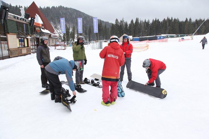 Учасники проекту реабілітації бійців АТО «Творча криївка» вчились кататись на сноубордах (ФОТО) (фото) - фото 3