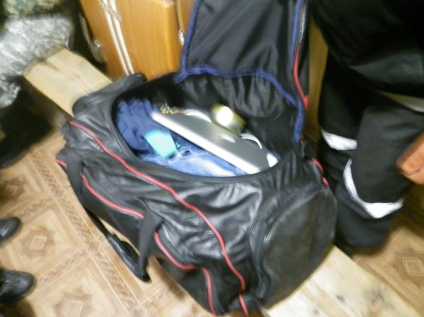 На границе Херсонщины задержали машину с оружием и наркотиками (фото) (фото) - фото 13