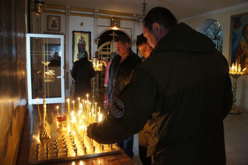 Казаки-ополченцы примерили нагрудные кресты и медали (фото) - фото 1