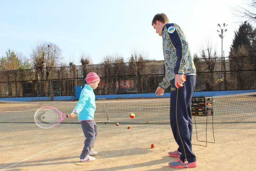 Теннисная школа Сторожевых - вместе с нами вы научитесь играть и побеждать! (фото) - фото 1