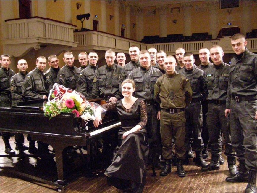Пианистка с мировым именем музицировала  для запорожский бойцов АТО (ФОТО) (фото) - фото 5