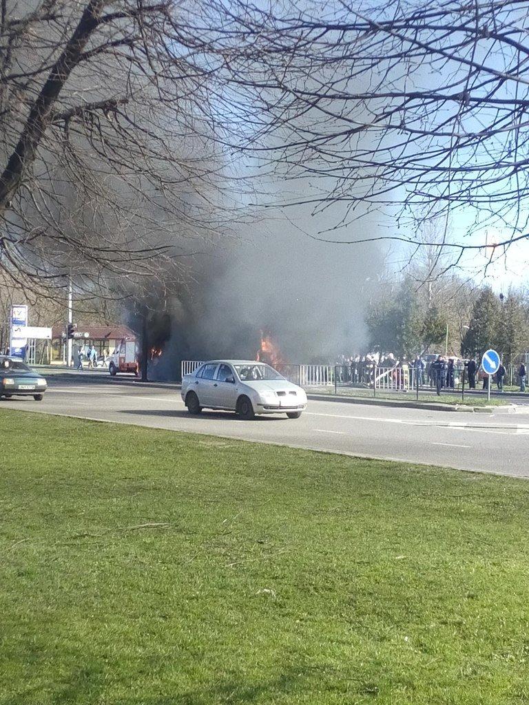 У Львові загорівся тролейбус! (ФОТО, ВІДЕО), фото-3