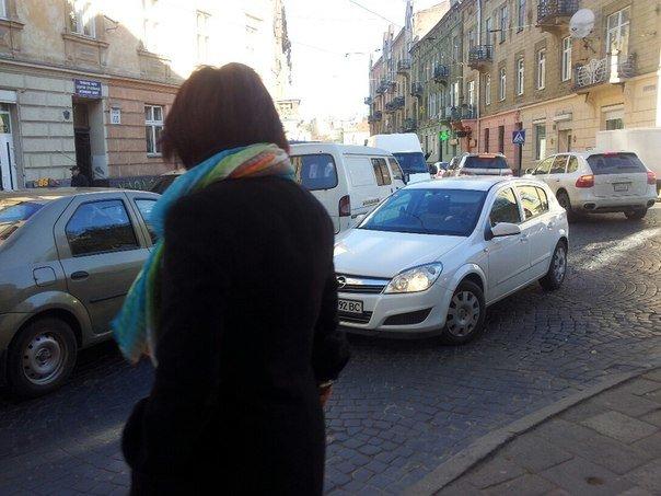 Ситуація на дорогах Львова: через ремонт дороги, в районі Стрийського ринку паралізовано рух транспорту (ФОТОРЕПОРТАЖ) (фото) - фото 5