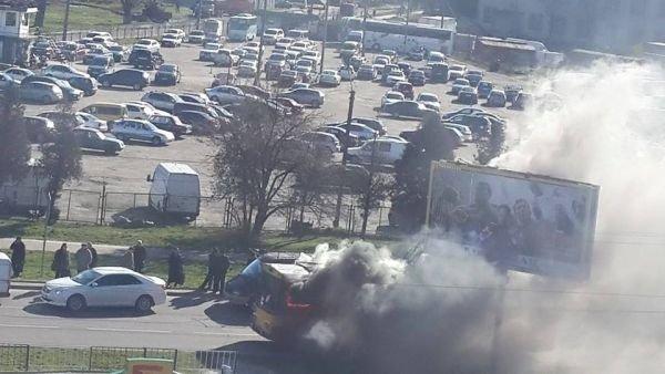 Нові подробиці: через пожежу у тролейбусі, працівники ДАІ перекрили дорогу (ФОТО,ВІДЕО), фото-9