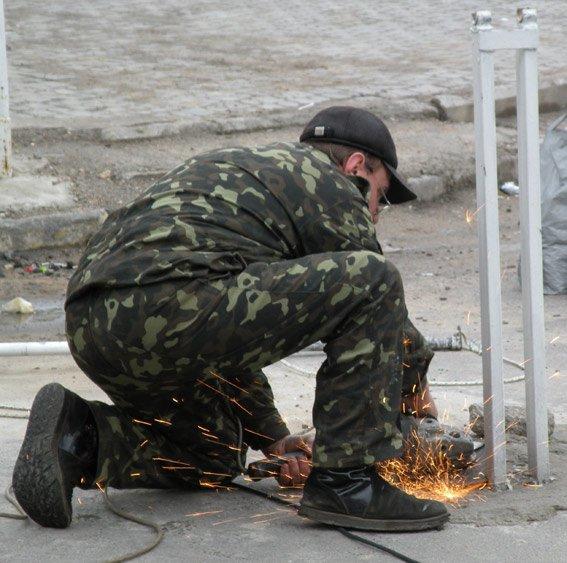 В Николаеве снесли незаконные шлагбаумы (ФОТО, ВИДЕО) (фото) - фото 2