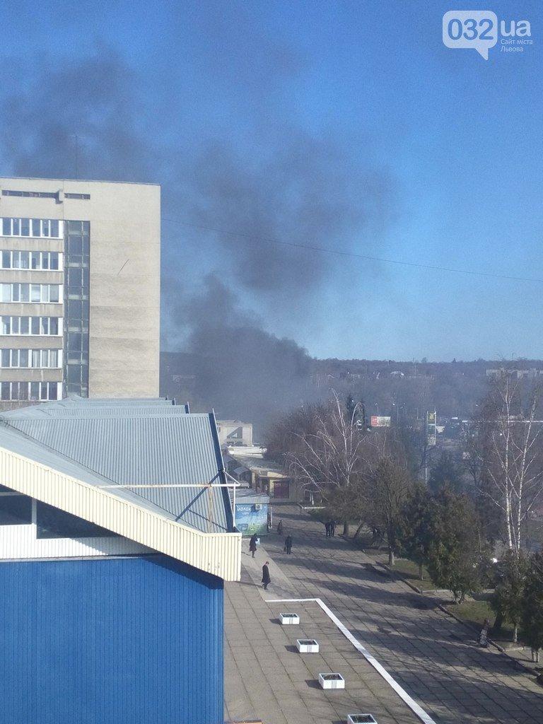 Тролейбус, який палав сьогодні зранку, був в експлуатації 27 років (ФОТОРЕПОРТАЖ,ВІДЕО) (фото) - фото 8
