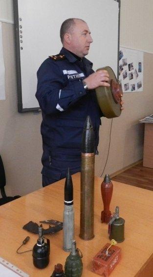 Херсонским спортсменам рассказали о пожарной безопасности (фото) (фото) - фото 4